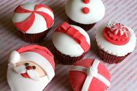 Christmas-cupcake-assortment