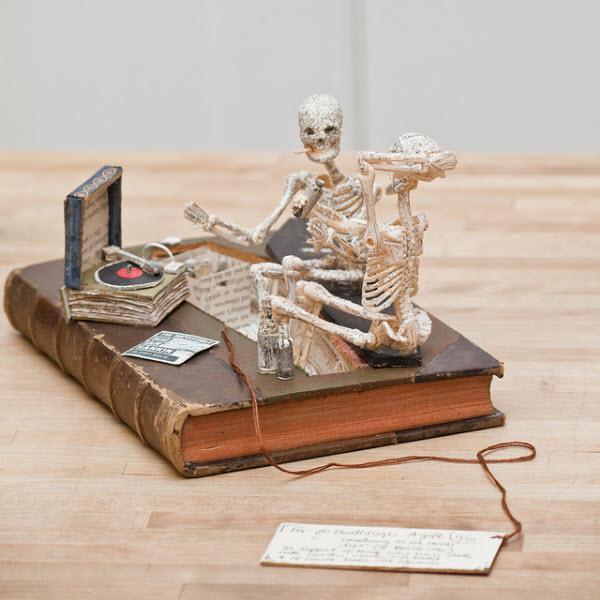 Skeleton-Sculpture