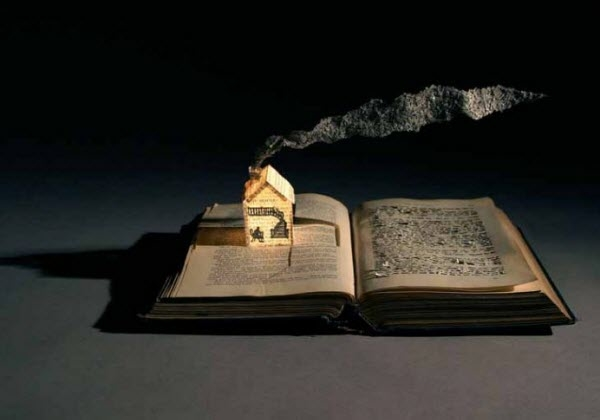 Book-Sculpture-the-old-house