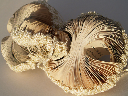 Book-Sculpture-Phiona-Richards
