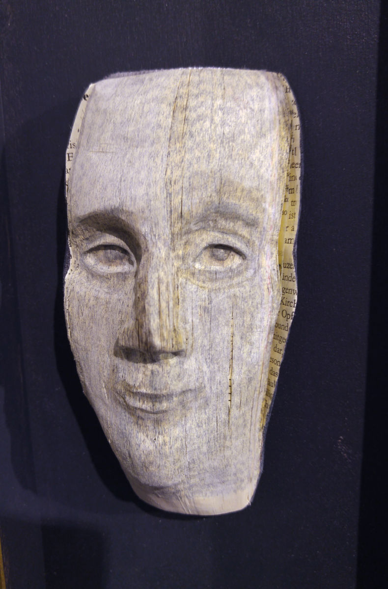 Book face sculpture Gotteslob by Christine Rozina