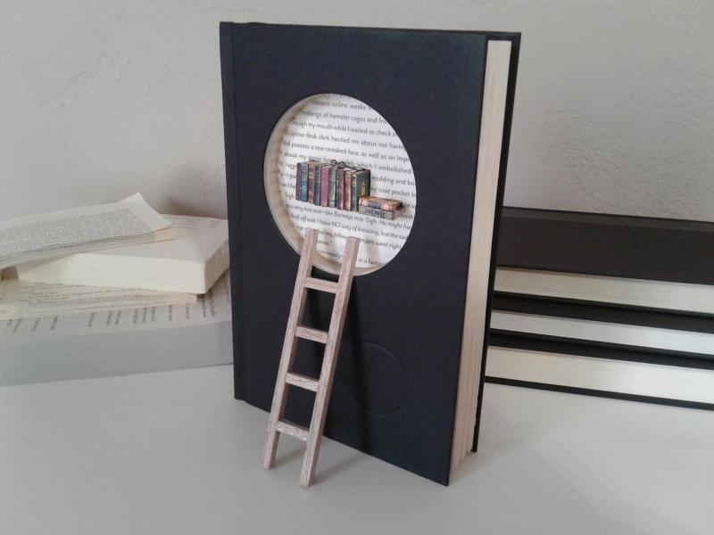 Library-book-sculpture