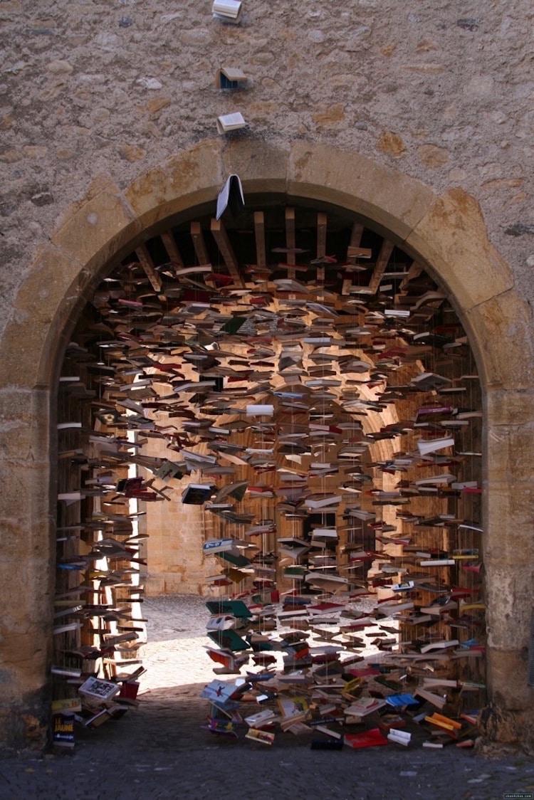 13-book-art-jan-reymond-rosace-book-sculpture-installations
