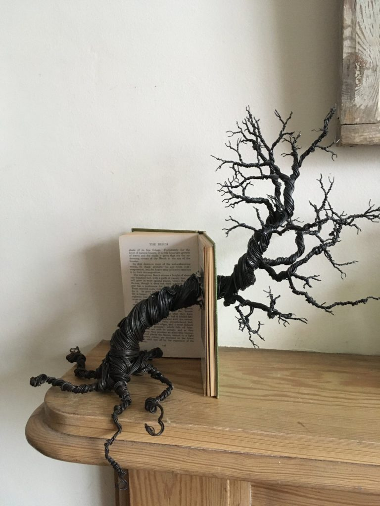 Twisted-wire-book-tree-by-AnotherMajorCreation